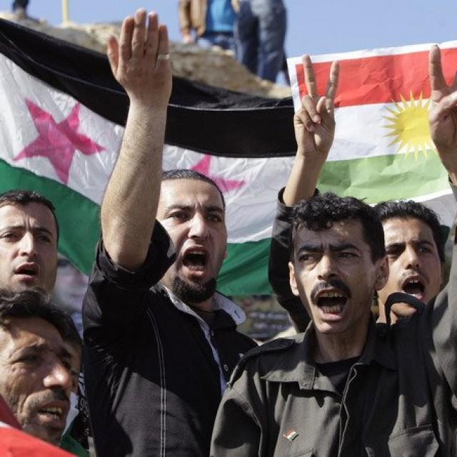 Отношения курдов и русских