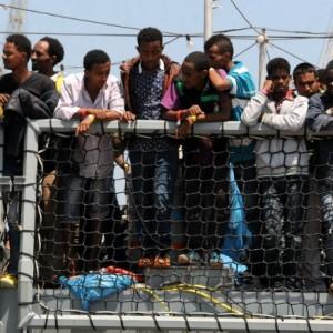 Австралия планирует разместить нелегальных мигрантов в Киргизии