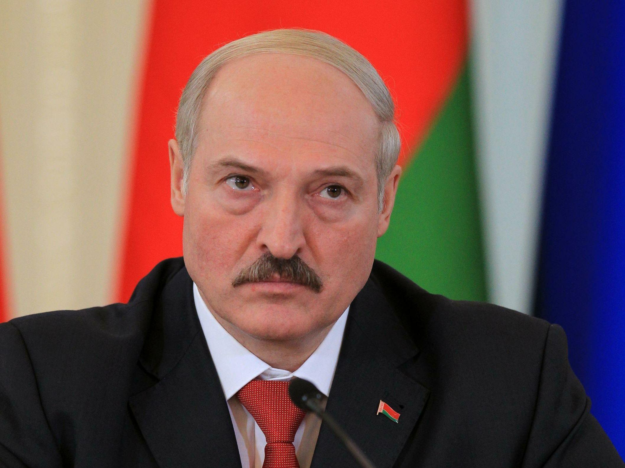 Лукашенко призвал белорусов сделать «кто сколько может» для малой родины