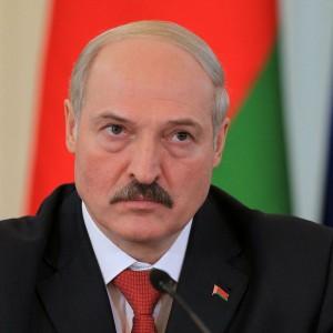 Лукашенко с серьезным отрывом победил на выборах президента Белоруссии