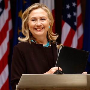 Хиллари Клинтон собрала $112 миллионов на избирательную кампаниюф