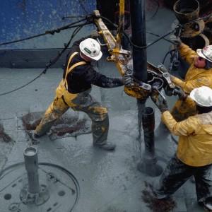 Цена на нефть снизилась до 33 долларов за баррель