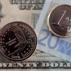 Стоимость доллара превысила 75 рублей