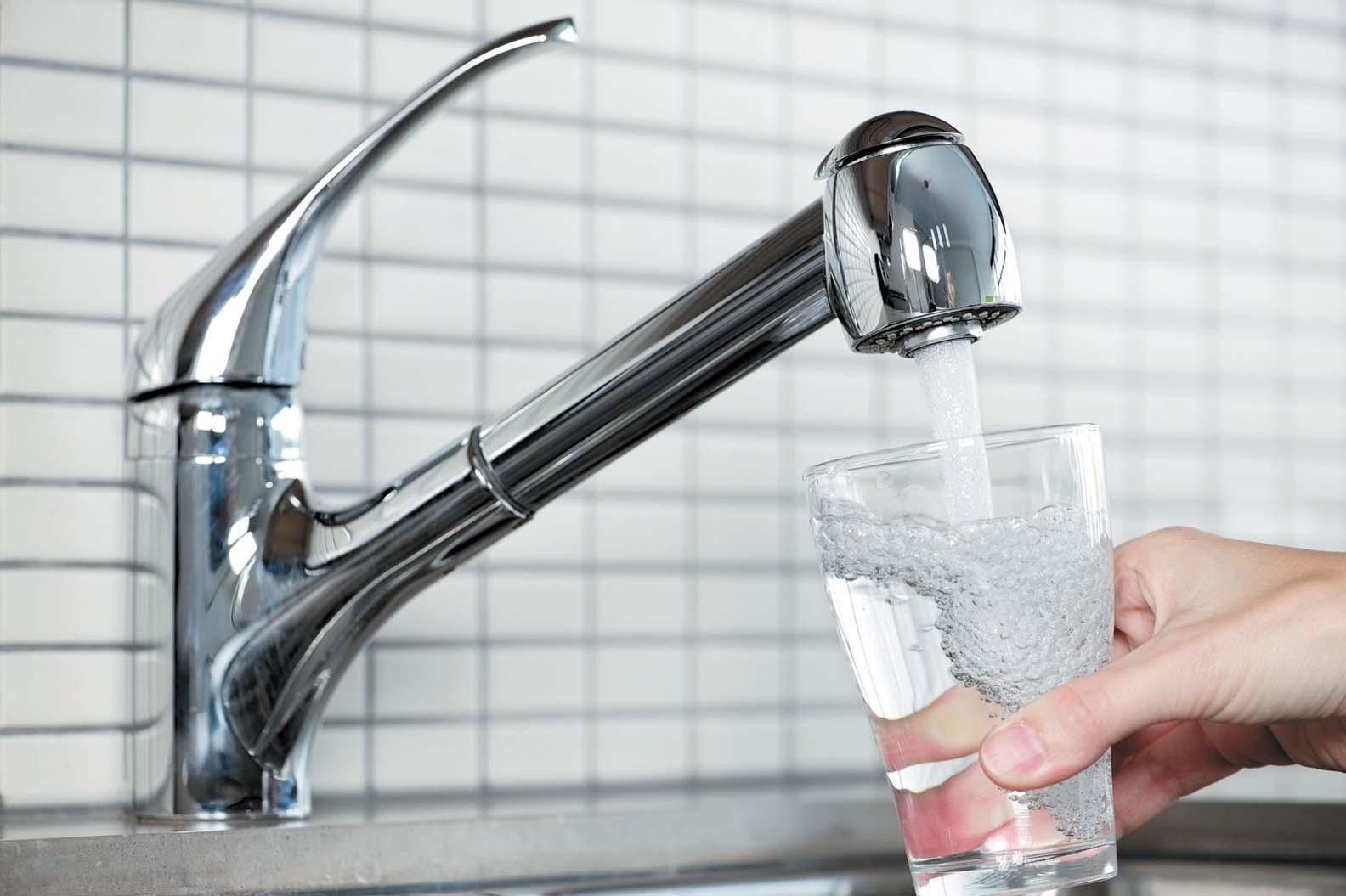 Почему не во всех странах можно пить воду из-под крана